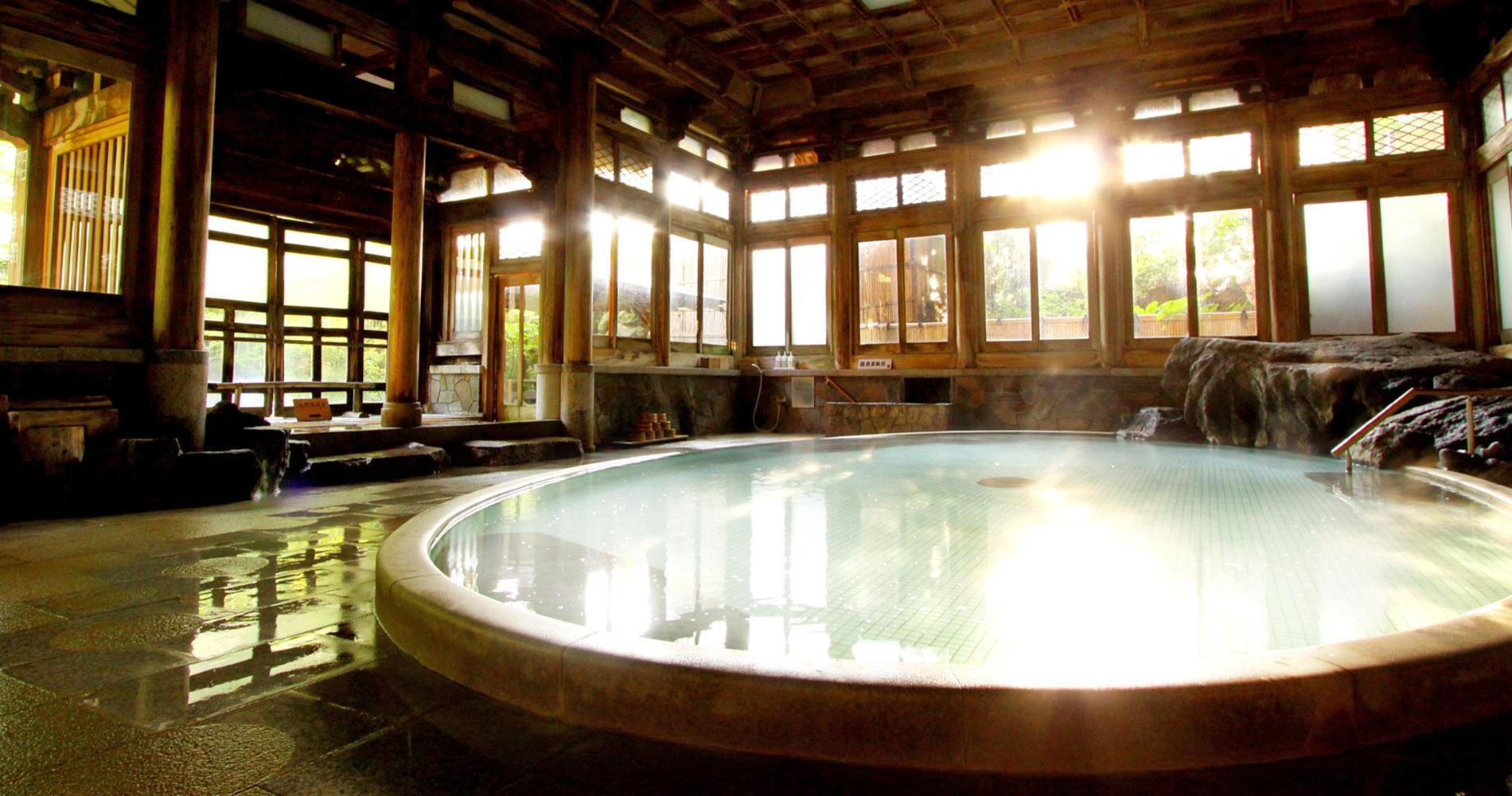 http://yudanaka-yoroduya.com/hotspring/momo1.jpg